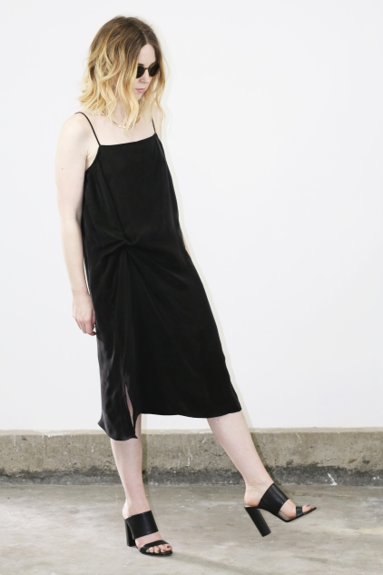 objects_twistloungedress_black_angle